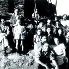 Villageois dans les années 50.